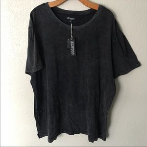 NWT Black washed out XL Elwood Short sleeve